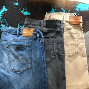 Bundle of 3 LUCKY BRAND JEANS Athletic Fit 46x30